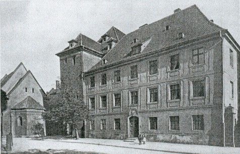 http://www.vogel-soya.de/bilder/Breslau/Breslau_Kapitelhaus.jpg